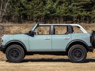 2021 Ford Bronco 4 Door exterior 6 1
