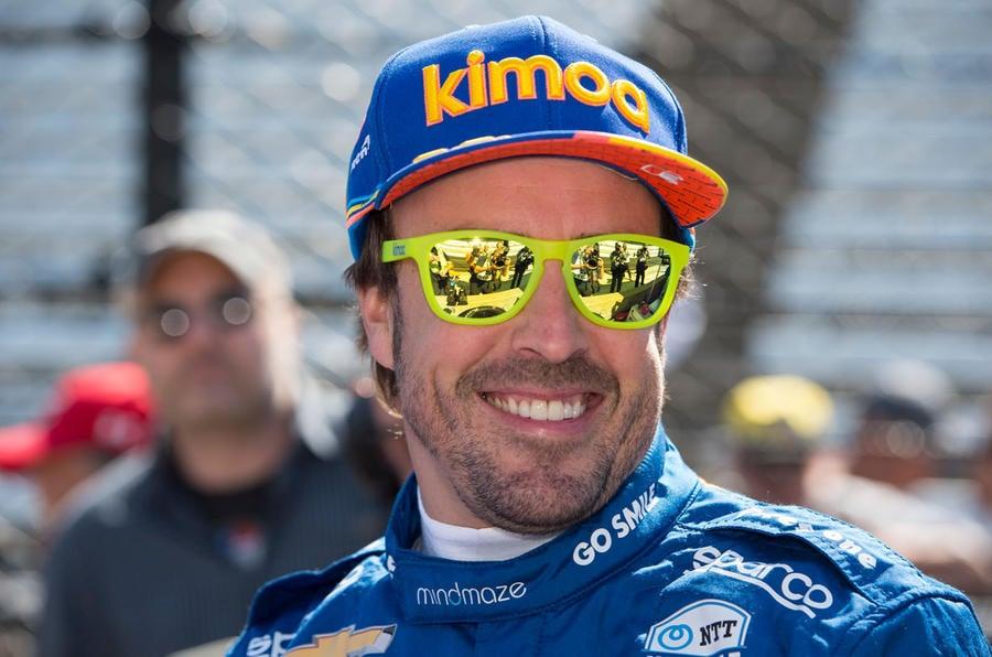 Fernando Alonso kimoa hat sunnies