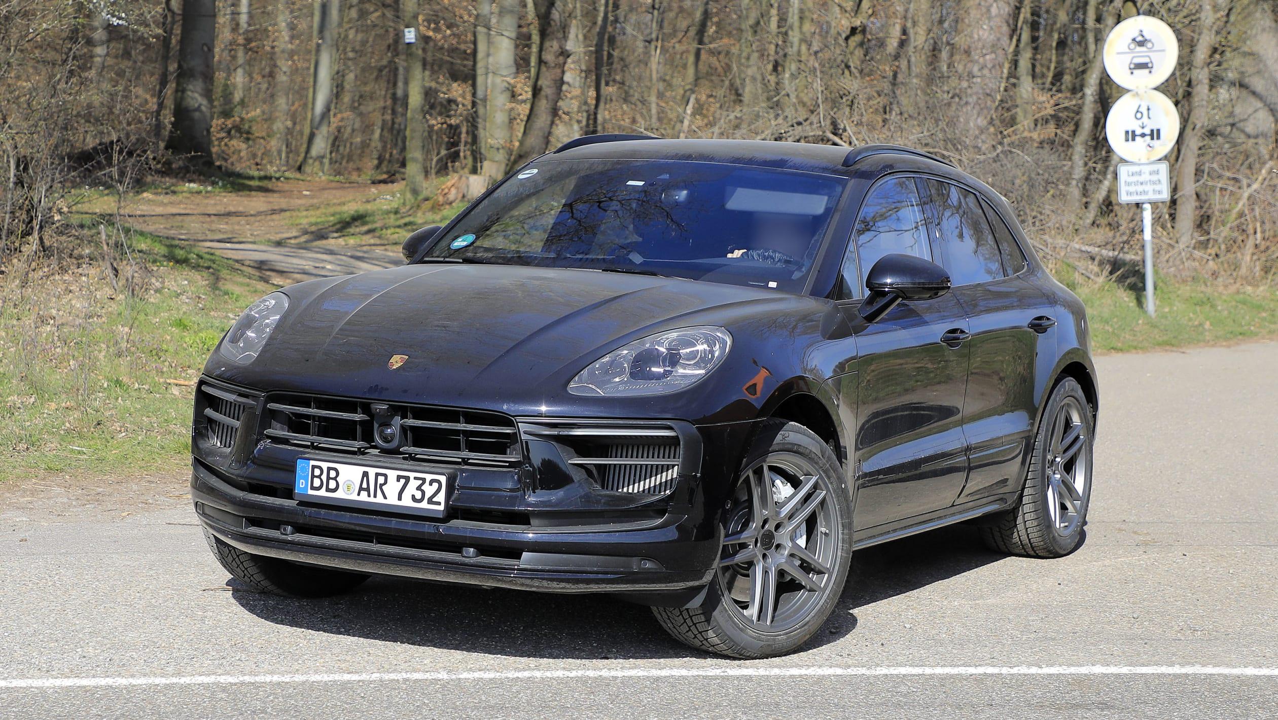 Porsche Macan facelift spy 10 1