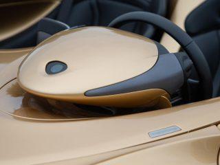 16 mclaren elva 2021 uk fd steering wheel bulge