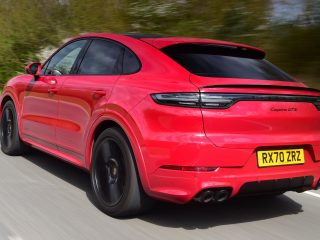 Audi SQ8 vs Porsche Cayenne Coupe GTS 18
