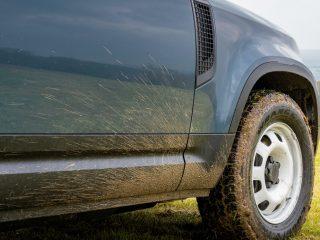Defender Hard Top driver door and wheel