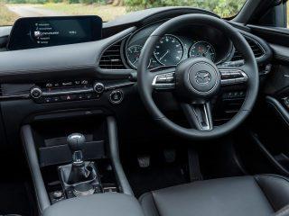 Mazda 3 e SkyActiv X 11