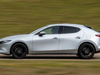 Mazda 3 e SkyActiv X 4