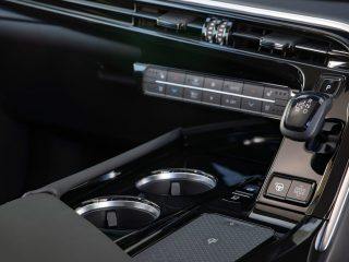 Toyota Mirai 2021 UK 4