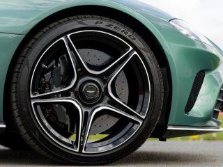 aston martin V12 Speedster review 5