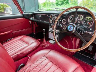 Aston Martin trio DB5 7