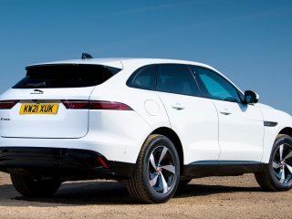Jaguar F Pace vs Volvo XC60 32