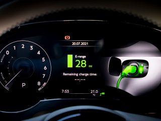 Bentley Bentayga Hybrid 2021 review 11