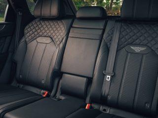 Bentley Bentayga Hybrid 2021 review 13