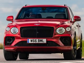 Bentley Bentayga Hybrid 2021 review 4