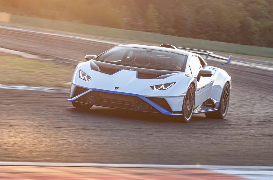 Lamborghini Huracan EVO 2021 review 10