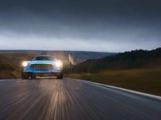 Volvo Cyan P1800 Restomod review 15