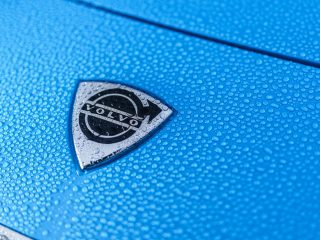 Volvo Cyan P1800 Restomod review 9
