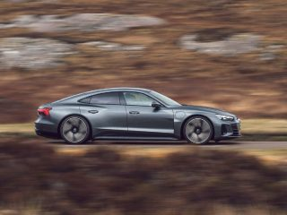 audi e tron GT special feature driving side