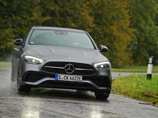 Mercedes C300e 2021 front cornering
