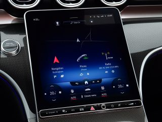 Mercedes C300e 2021 info screen2