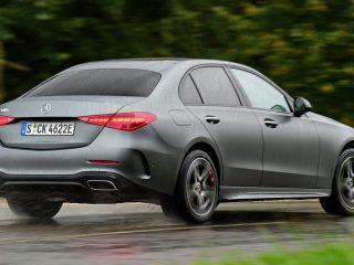 Mercedes C300e 2021 rear driving2 e1633219136318