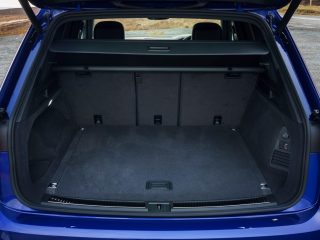 Volkswagen Touareg R 2022 review 9